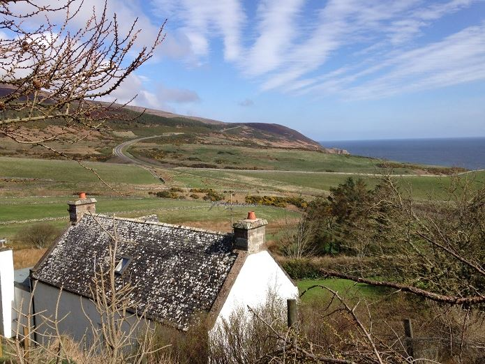 Holiday cottages with sea views scotland for Cheap holiday cottages uk